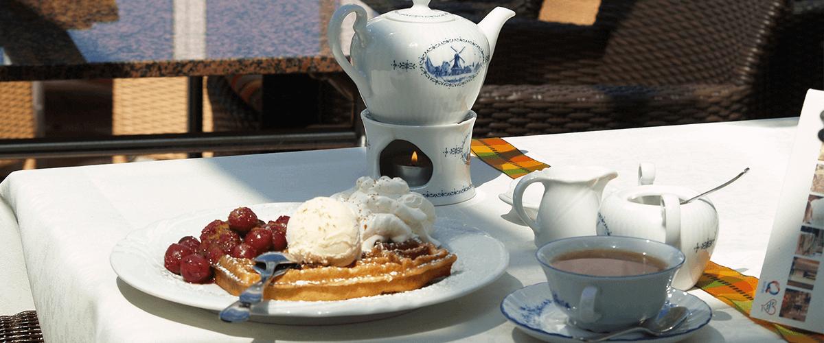 Terrasse - Hotel Regina MarisHotel Regina Maris, Norden-Norddeich, Nordsee, Ostfriesland, Urlaub zu Zweit, Nordseeurlaub, Urlaub am Meer, Teezeit